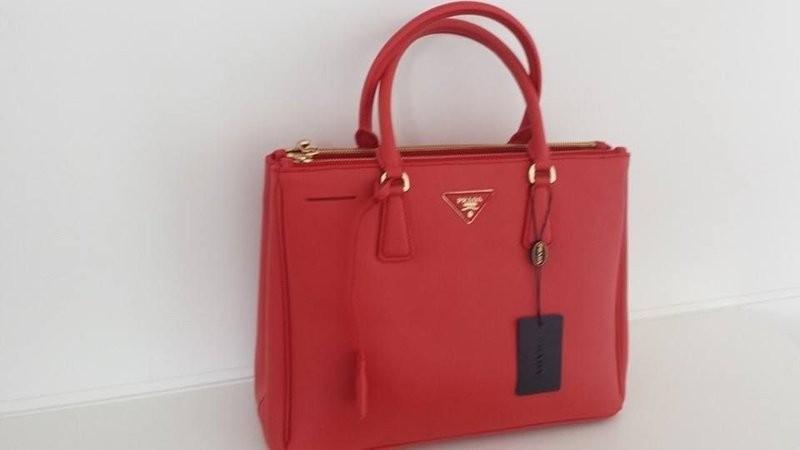 Réplica de Bolsa Prada Classic Safiano Vermelha G - Couro Premium